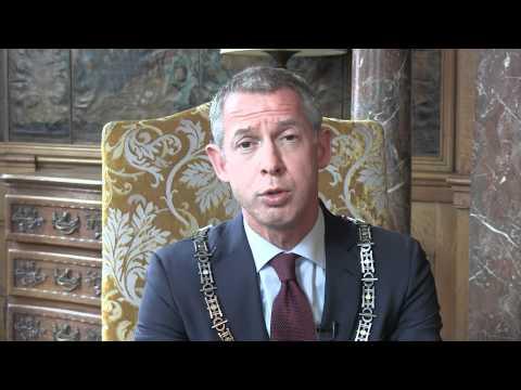 Burgemeester Hoes waarschuwt