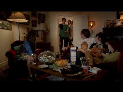 French Toast | Please Like Me | Season 1 Episode 2