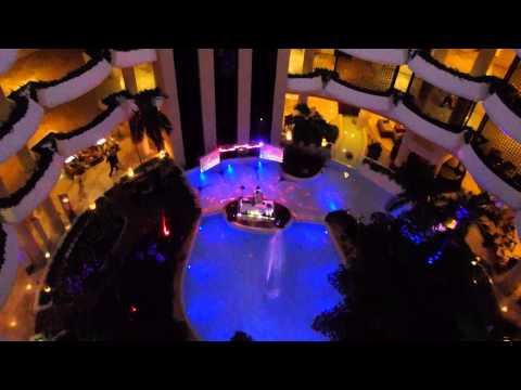DJ und Lasershow in der Lobby des Hotel Meliá Varadero - Kuba