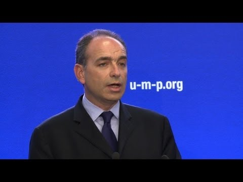 UMP: Copé met au défi Fillon d'intenter un recours