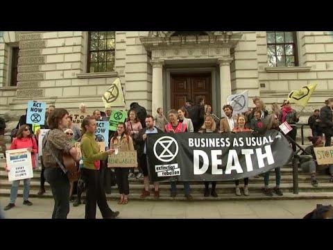 Λονδίνο: Ολοκληρώθηκαν οι κινητοποιήσεις για την κλιματική αλλαγή…