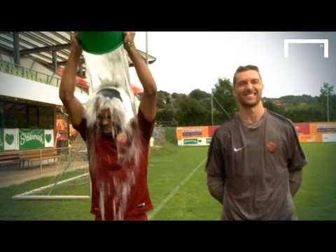 Ashley - AS Roma's CEO Italo Zanzi and AS Roma's players Ashley Cole and Morgan De Sanctis accepted their ALS Ice Bucket Challenge. Subscribe to Goal: https://www.you...