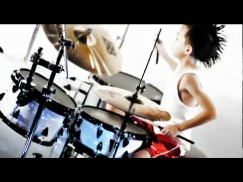 8 Year Old Punk Rock Singer + Drummer!