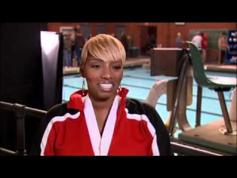 B-Roll of Nene Leakes talking about her character and role on glee. (видео)
