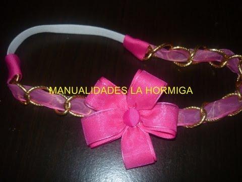 como elaborar una diadema con cinta y cadena  decoradas con flores de tela vídeo   124