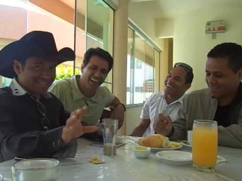 Flávio e Hélio (Irmãos Levitas) e Wesley e Alexandre em Bombinhas SC EM UM papo descontraído