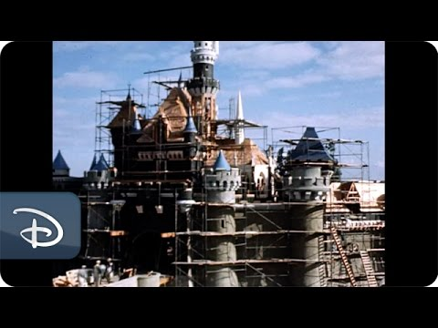 TimeLapse Video of Disneyland Park Construction in the