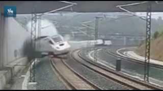 Veja o momento do descarrilamento do trem em Santiago de Compostela