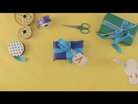 How to wrap Christmas presents : Christmas crafts for the whole family