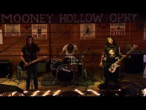 Catfish Haven - Please Come Back - 7/26/2009 - Mooney Hollow Saloon Barn - Green Island, IA