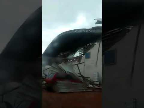 Tempestade destrói a Concessionária Iveco de Rondonópolis