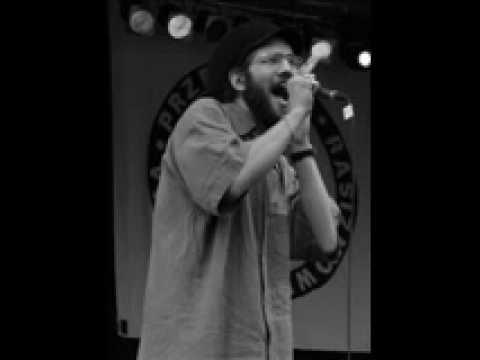 Ras Luta - Młodzi Ludzie lyrics
