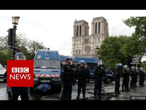 Paris's Notre-Dame Attack: Man shouted