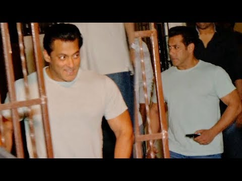 Salman Khan Spotted At Shankar Mahadevan's Studio