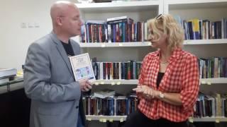 """השקת המהדורה האנגלית לספרה של נעמי אפל """"Talking CBT with Parents and Children"""""""