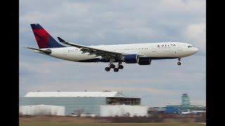 Delta A330-200 landing, DTW.