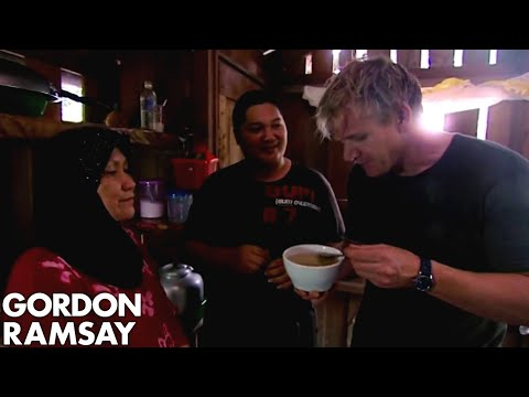 Gordon Ramsay Harvests Bird's Nests From A Cave | Gordon's Great Escape - Thời lượng: 7 phút, 59 giây.