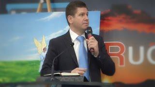 Marius Livanu – Cine ne va pravali piatra?