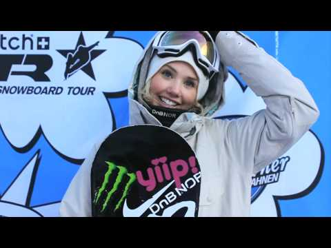 Silje Norendal - http://www.worldsnowboardtour.com Saturday 22nd saw the finals of the 3Star TTR Rip Curl Sista Sessions kick off in style. Ten girls made it through to the s...