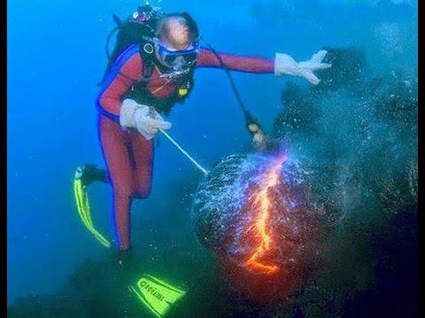 Lava Flows Underwater  punaridgeorg