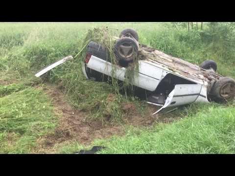 Mentők szállították el a sérülteket a Nagyatád melletti baleset helyszínéről