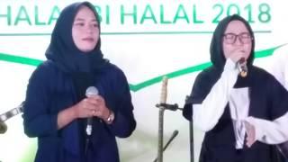Video Sedihnya Lagu Atouna El Toufoule oleh Nissa Sabyan MP3, 3GP, MP4, WEBM, AVI, FLV Juli 2018