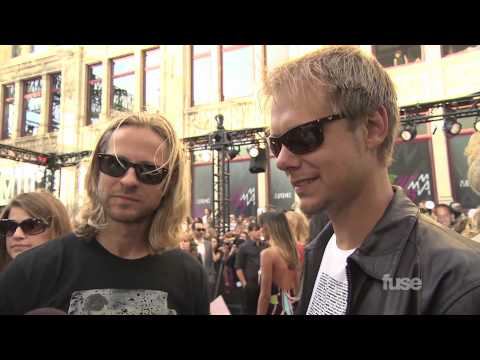 Armin receives platinum record at the MuchMusic Video Awards