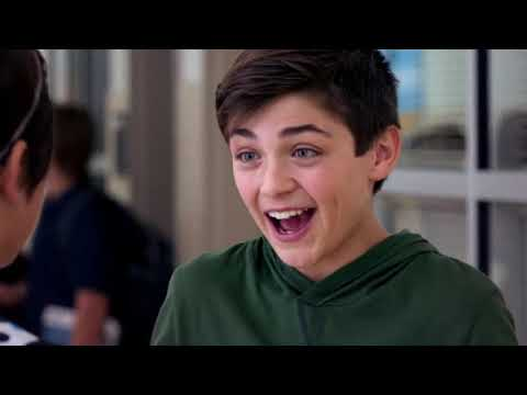 Andi Mack – She s Turning Into You clip3