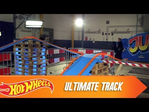 Dads get to be the first to check out Hot Wheels' latest test track