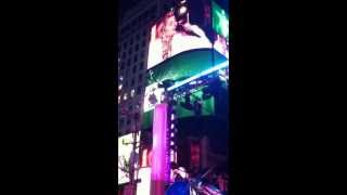 Miley Cyrus Times Square 2014 New Year's Eve