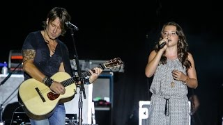 Video Keith Urban & 11 year old Lauren Spencer-Smith WOW crowds live in concert in front of 20,000+ MP3, 3GP, MP4, WEBM, AVI, FLV Januari 2019