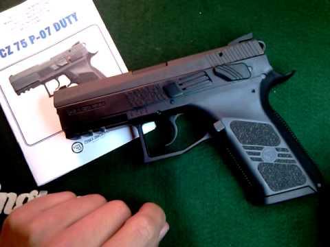 pistola 9 milimetros - Hola amigos en este video tengo la pistola Duty P-07 hecha por la fabrica Cesza zbrojovka, es una pistola de 9 milimetros con capacidad de 16 cartuchos y la ...