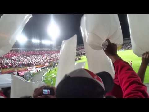 Salida SANTA FE vs huracán desde la tribuna LGARS - La Guardia Albi Roja Sur - Independiente Santa Fe