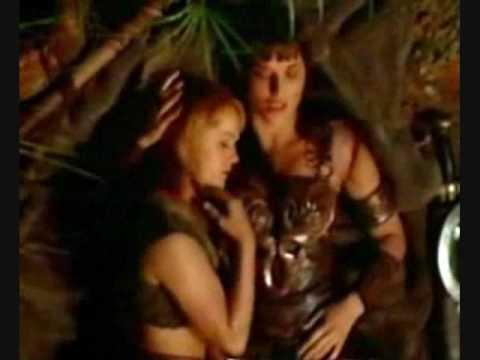 Xena and Gabrielle: Kiss