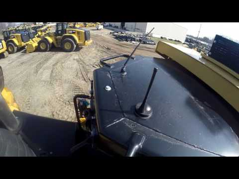 CATERPILLAR TRACTEURS SUR CHAINES D9T equipment video VtqYN2iB7YA