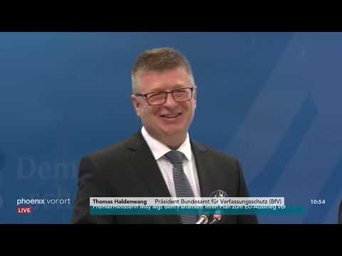 Pressekonferenz zur Einführung des neuen Verfassungssch ...