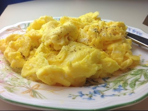 How to Cook Perfect Fluffy Scrambled Eggs