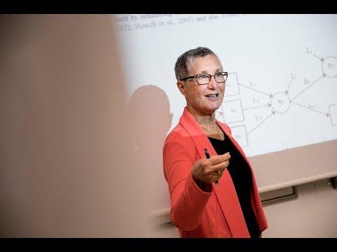 Successfull leaders master the art of communication | Peggy Brønn
