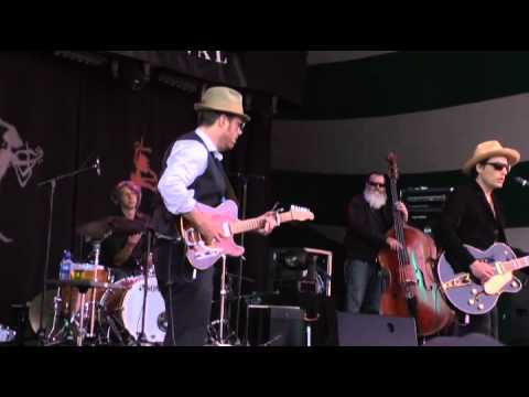 "Jakob Dylan - ""Everybody's Hurting"" - w/Jon Rauhouse, Paul Rigby, Tom V Ray, Barry Mirochnick, Nora O'Connor & Kelly Hogan"