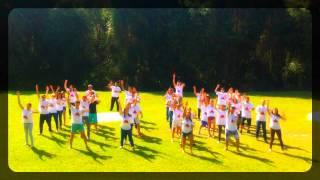 Flash Mob realizado no Dia do Amigo. Evento realizado no dia 23 de Maio de 2015 pela Juventude Ousada do Ministério...