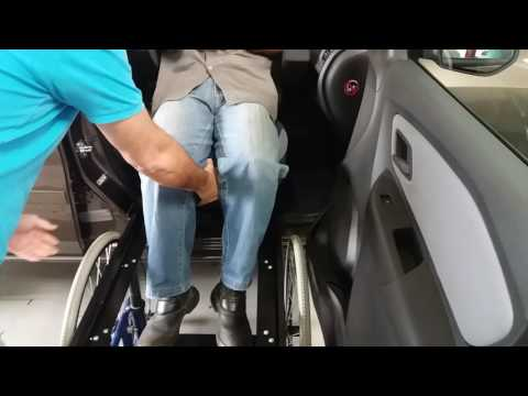 Spin 2016 adaptada para embarque do cadeirante e ou idoso pelo banco do carona.