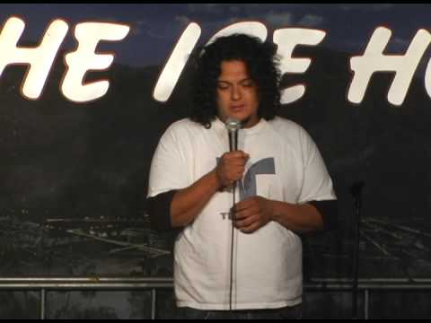 Quicklaffs - Felipe Esparza Stand Up Comedy