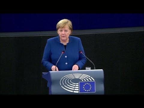 Bundeskanzlerin Merkel fordert vor der Europawahl