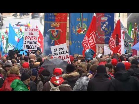 Italien: Parteien rufen zu Demonstrationen auf