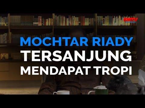 Mochtar Riady Tersanjung Mendapat Tropi