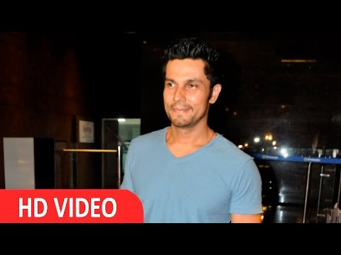 Randeep Hooda At Screening Of Film Do Lafzon Ki Kahani
