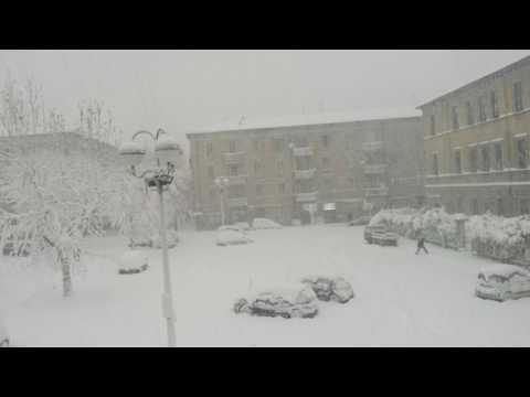 Maltempo in Abruzzo, neve fino a mercoledì: avviso della Protezione Civile VIDEO
