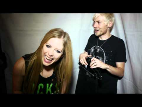 Avril Lavigne Black Star Tour Canada - Coat Hanger Evan Video