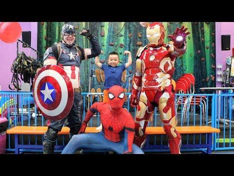 MY SUPERHERO BIRTHDAY! Indoor Kids Playground Fun With Spider Man Captain America Iron Man and CKN (видео)