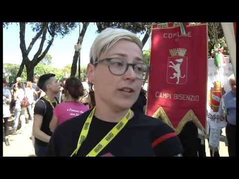 Arezzo si colora dei colori dell'arcobaleno: in migliaia al Toscana Pride